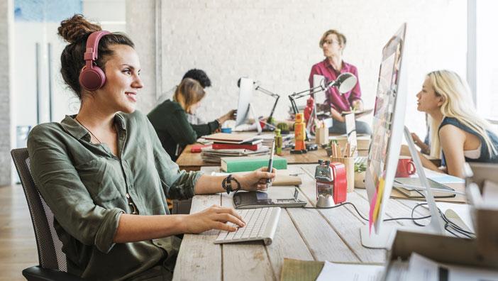 Ofis Masasında Olması Gerekli 10 Eşya
