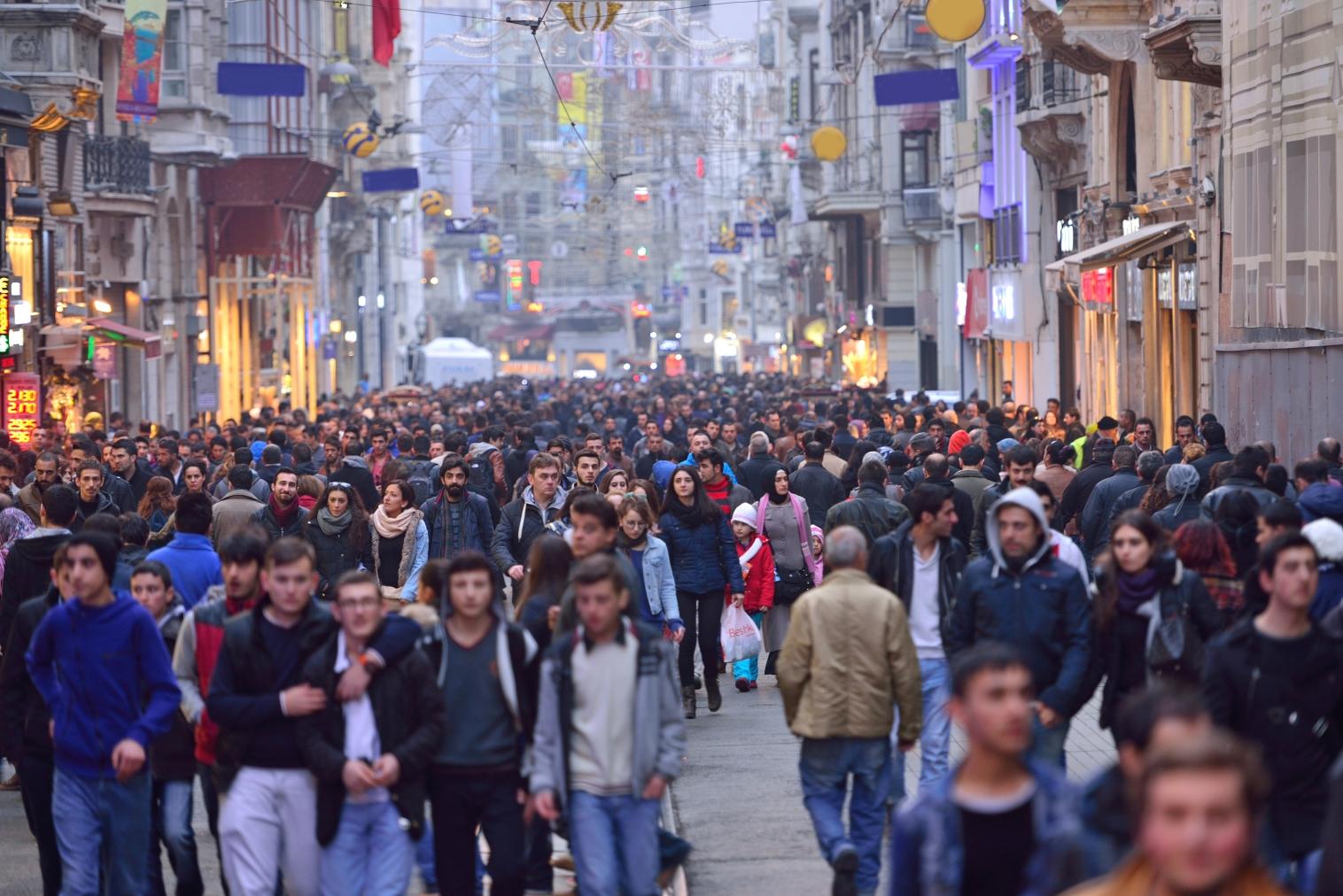 İstanbul'da 16 bin kişi aranıyor