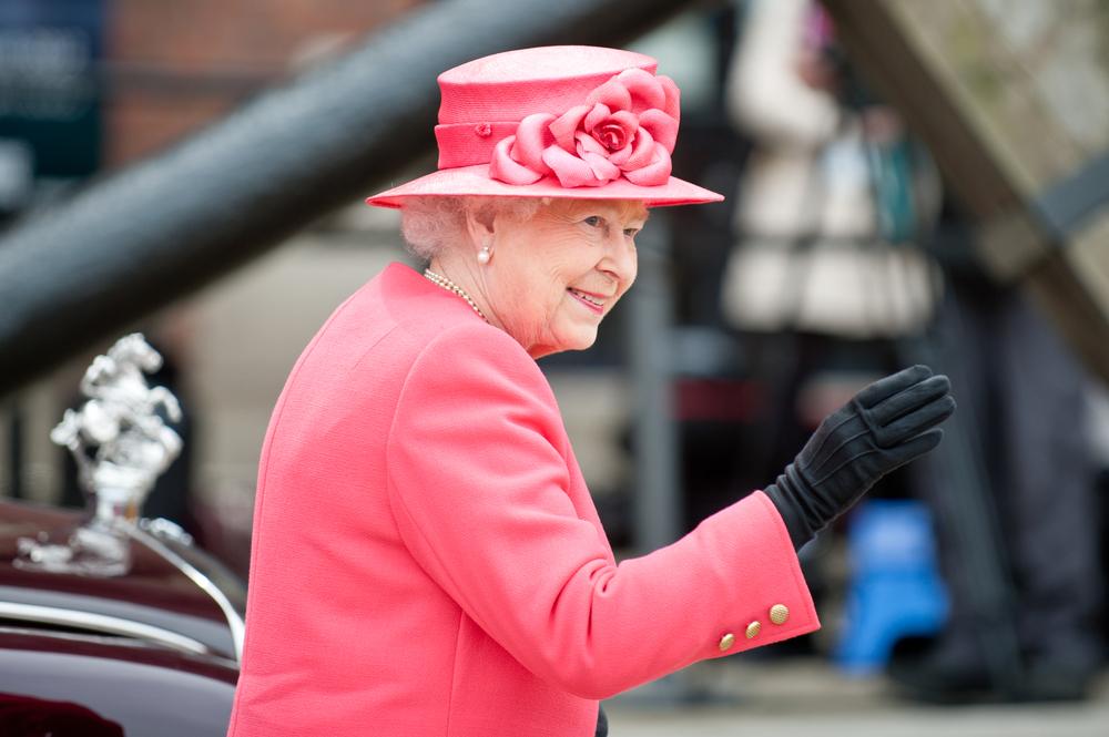 Kraliyet Sarayı 17 bin TL maaşla sosyal medya yöneticisi alacak