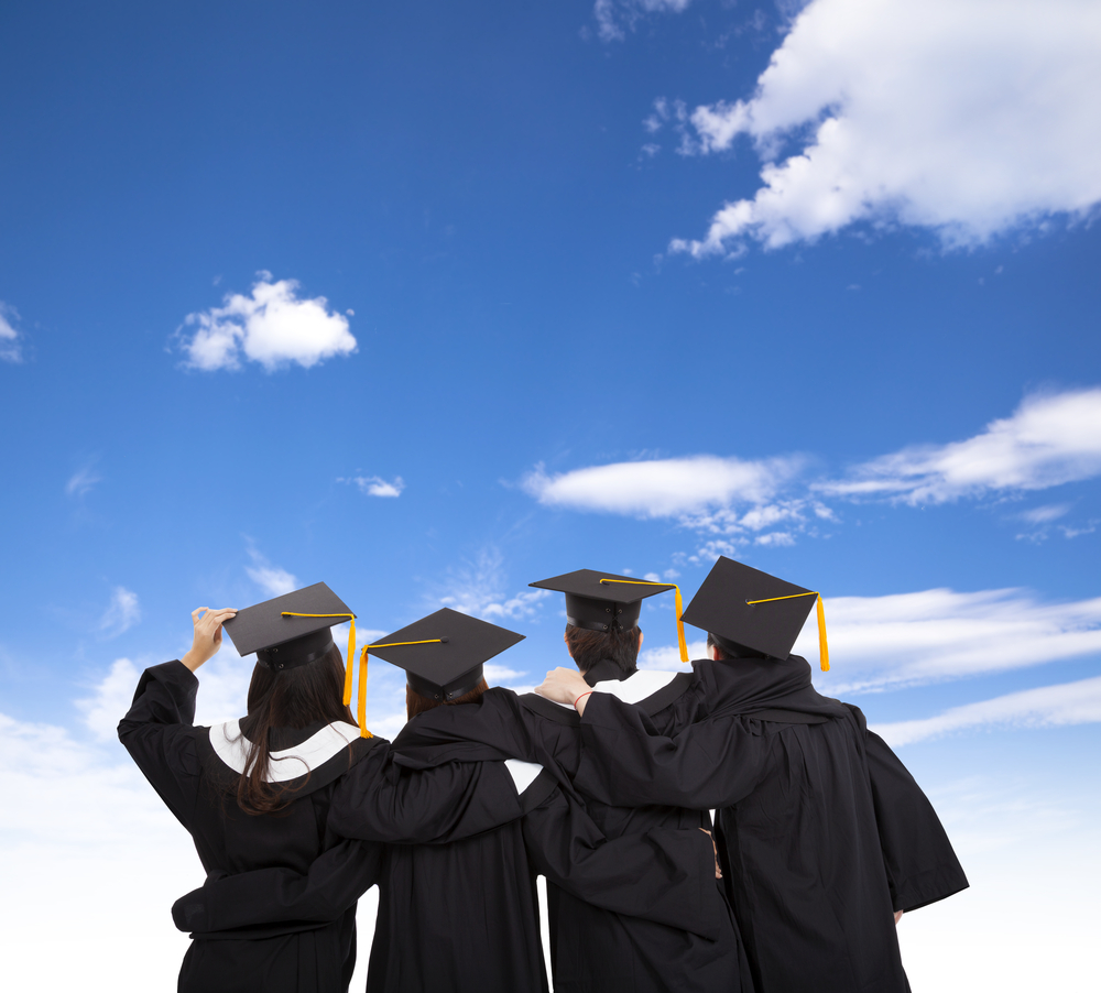 Yeni mezunlara bu sektörlerin kapısı açık!