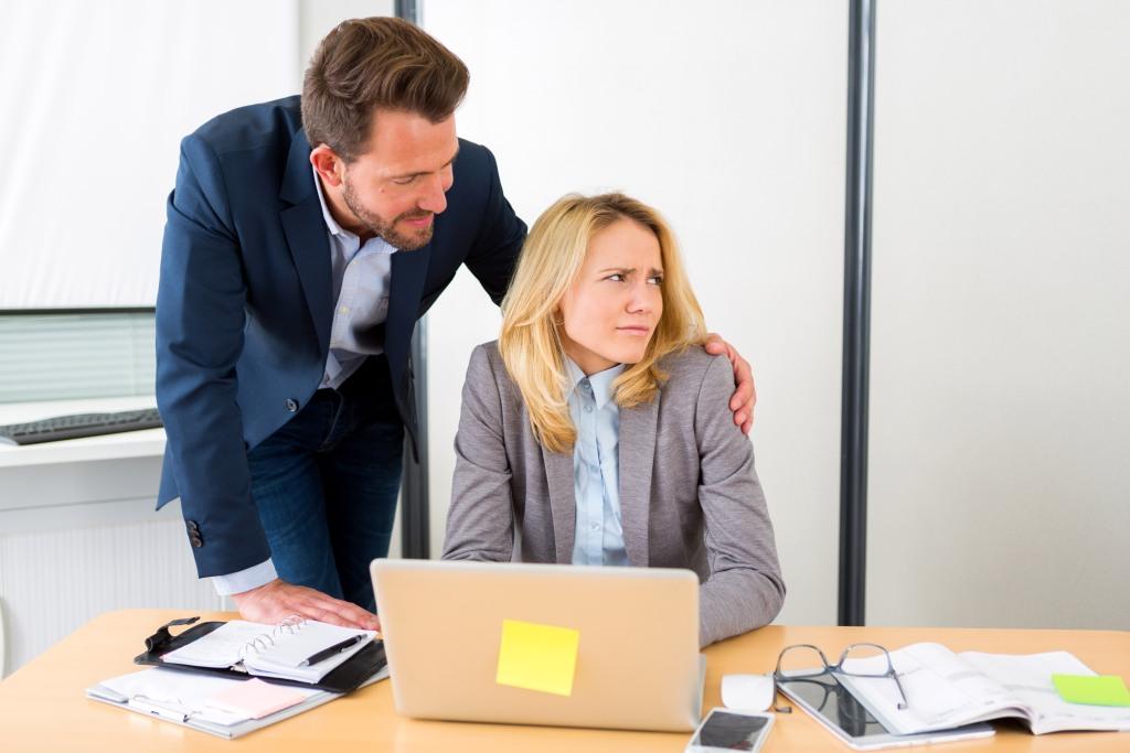 İngiltere'de iş yerinde cinsel taciz oranı yüksek