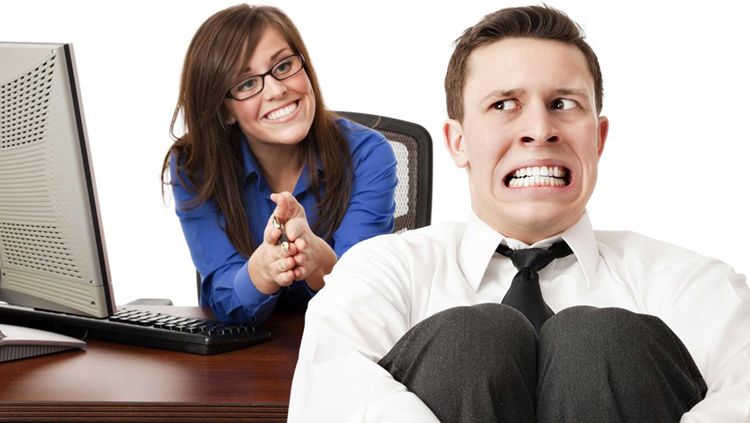 İş Görüşmesindeki Garip Sessizliğin Üstesinden Nasıl Gelinir?